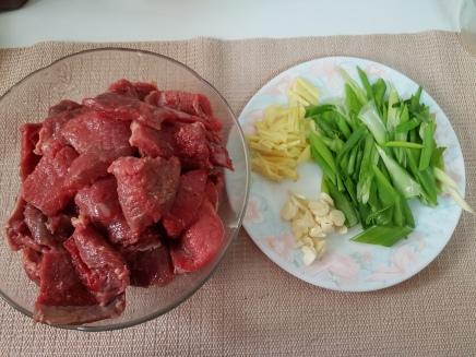 Mongolian beef (2)