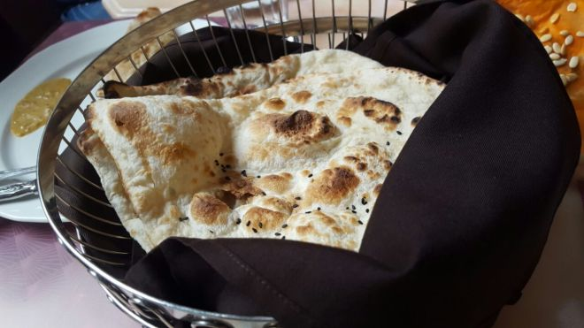 hotel-calcutta-garlic-naan
